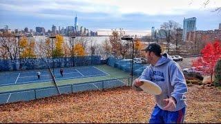 Neuvěřitelný trickshoty Brodie Smitha s frisbee