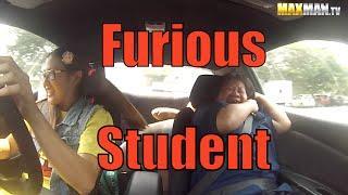Těžký život instruktorů autoškoly