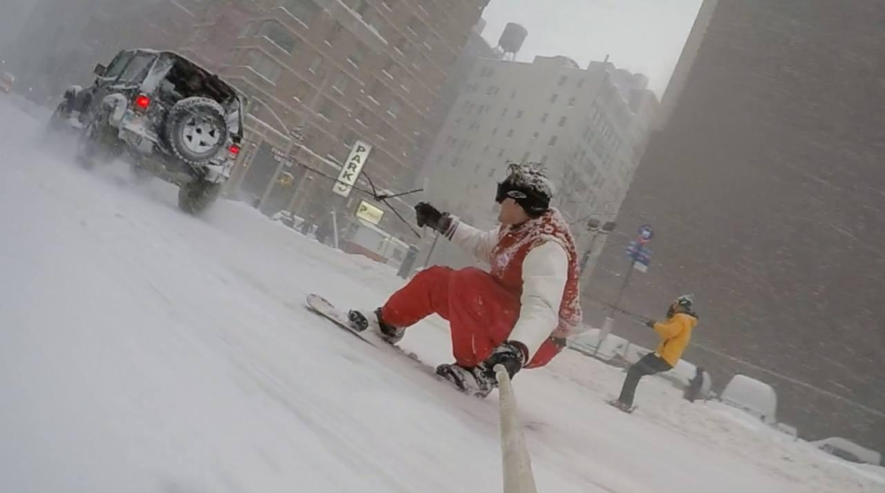 Snowboard v ulicich