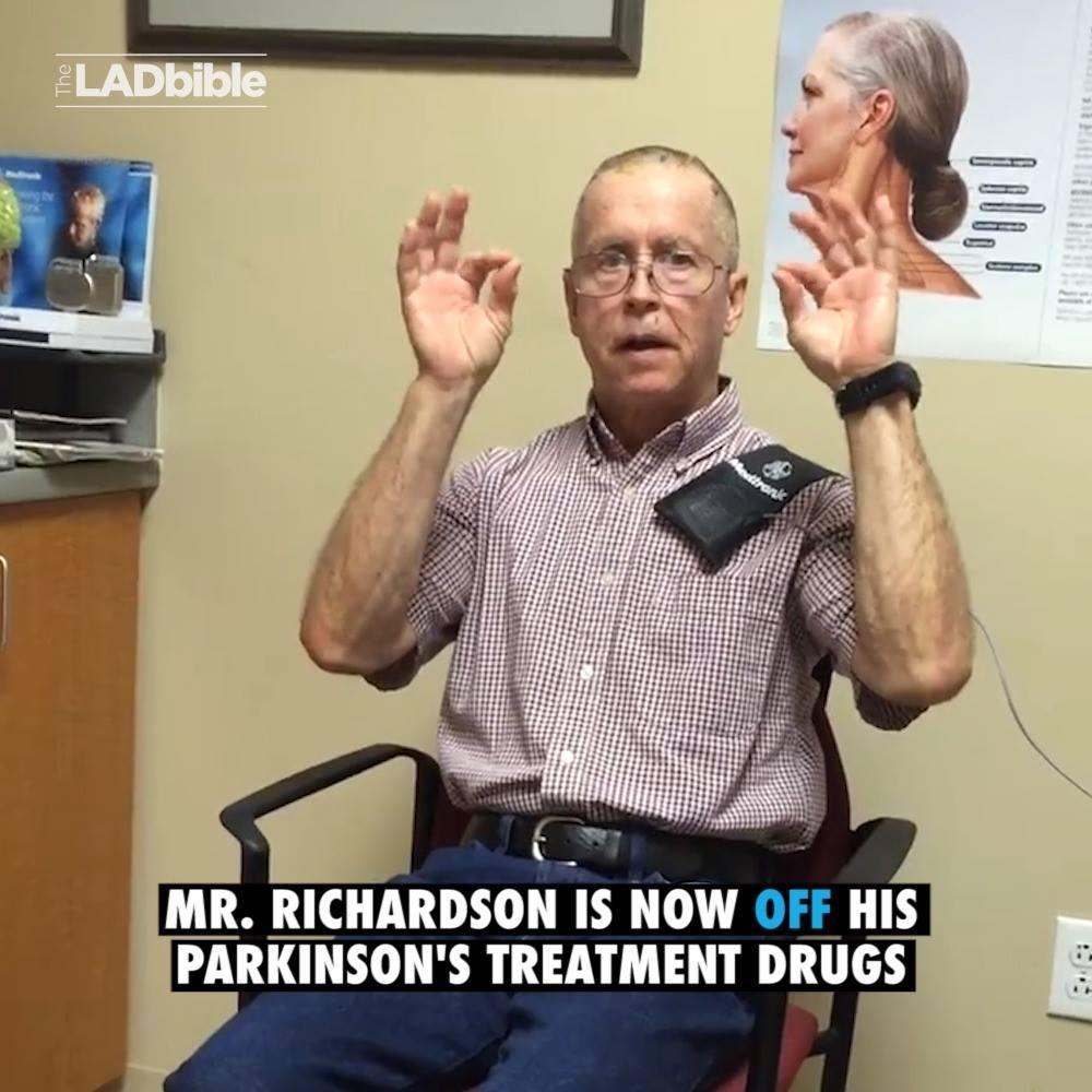 Zařízení redukující příznaky Parkinsona